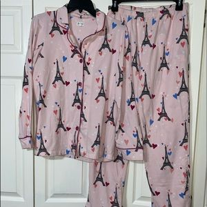 Bed head Eiffel Tower Classic Pajama Set